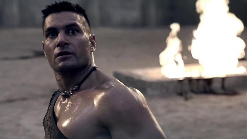 Спартак сражается с Криксом на арене. Часть №1 (Спартак. Кровь и песок)