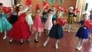 Танец с сердечками на 8 марта для милых мам.