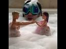 6ix9ine играет в куклы-барби