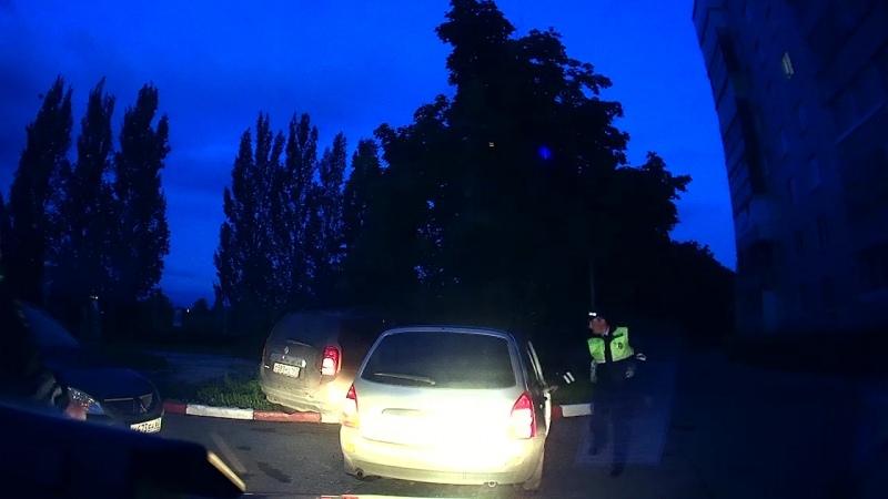 Автопьяница без прав влетел в Renault уходя от погони ГИБДД